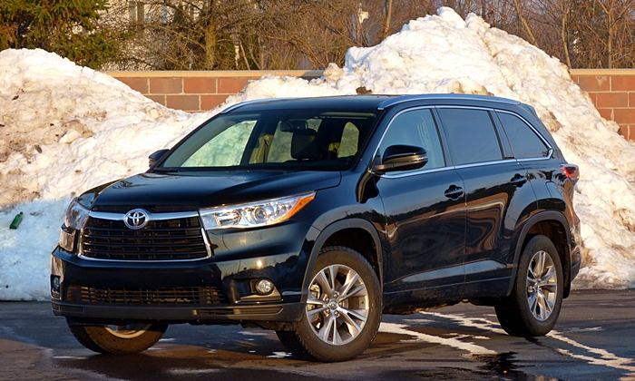 Toyota Highlander Front Quarter View