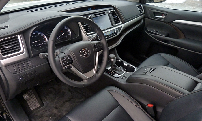 Highlander Reviews: Toyota Highlander interior