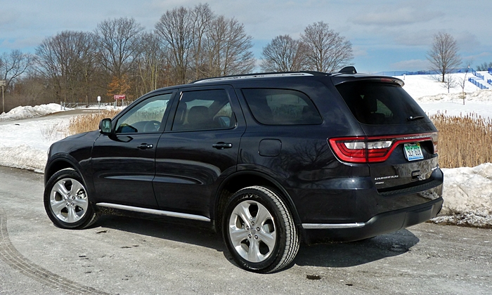 Durango Reviews: Dodge Durango Limited rear quarter view