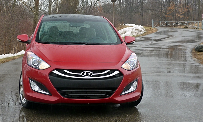 Elantra GT Reviews: Hyundai Elantra GT front view
