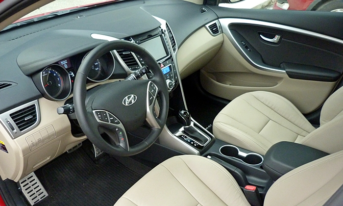 Elantra GT Reviews: Hyundai Elantra GT interior