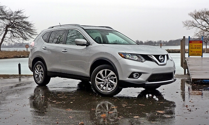 Nissan Rogue Front Quarter View Low Angle