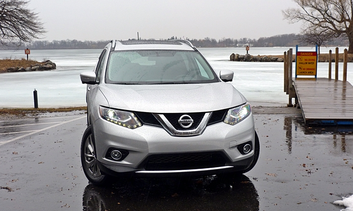 Nissan Rogue Photos: Nissan Rogue front view
