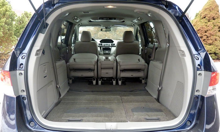 honda odyssey photos honda odyssey cargo area both rows folded. Black Bedroom Furniture Sets. Home Design Ideas