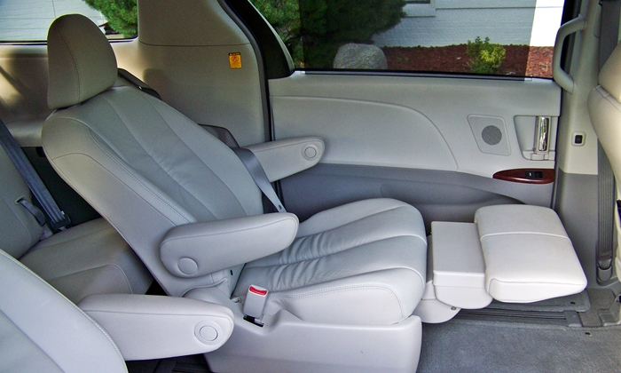 honda odyssey photos toyota sienna lounge chairs. Black Bedroom Furniture Sets. Home Design Ideas