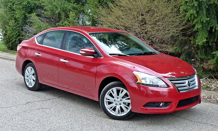 Sentra Reviews: 2014 Nissan Sentra front quarter view