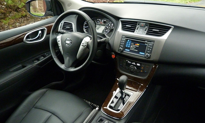 Sentra Reviews: 2014 Nissan Sentra interior right view