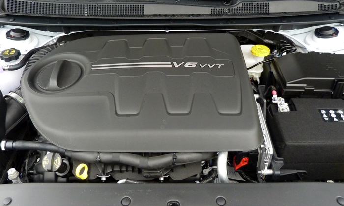 200 Reviews: Chrysler 200 V6 engine