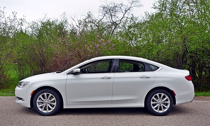 Ford Fusion Reliability >> Chrysler 200 Photos: Chrysler 200C side view