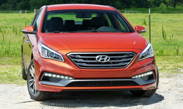 Sonata Reviews: 2015 Hyundai Sonata Sport 2.0T front view