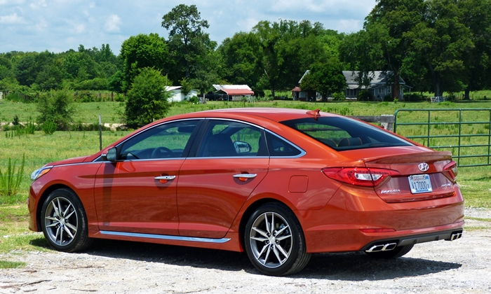 Sonata Reviews: 2015 Hyundai Sonata Sport 2.0T rear quarter view