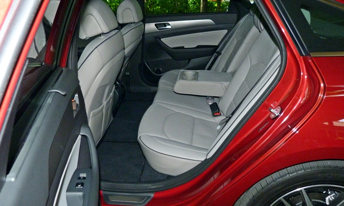 Sonata Reviews: 2015 Hyundai Sonata Sport 2.0T rear seat