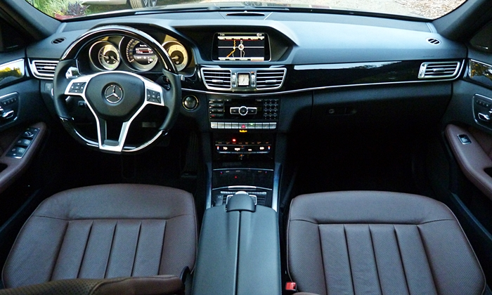 Mercedes-Benz E-Class Photos: Mercedes-Benz E250 BlueTEC instrument panel full