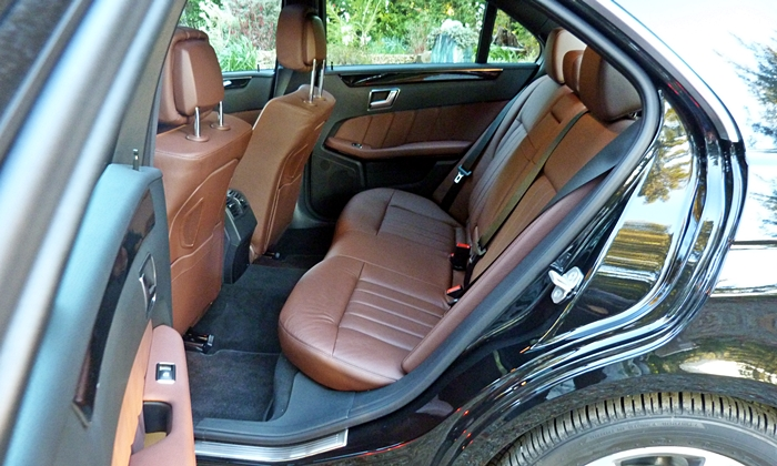 Mercedes-Benz E-Class Photos: Mercedes-Benz E250 BlueTEC rear seat