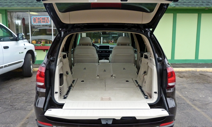 bmw x5 photos 2014 bmw x5 cargo area both rows folded. Black Bedroom Furniture Sets. Home Design Ideas