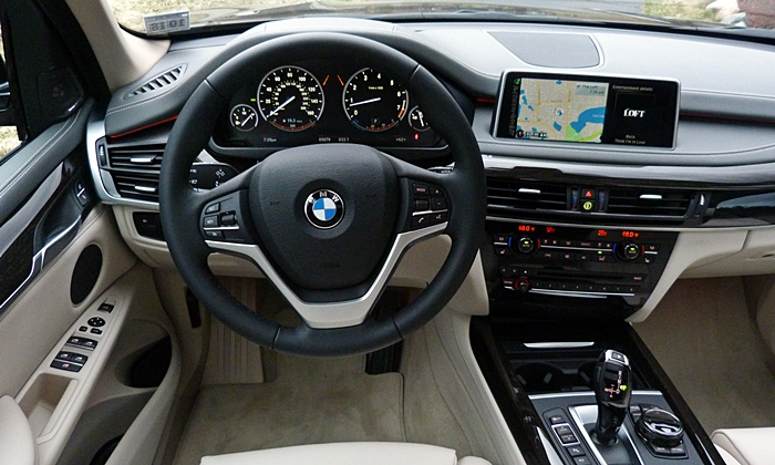 BMW X5 Photos: 2014 BMW X5 instrument panel