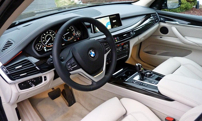 BMW X5 Photos: 2014 BMW X5 interior