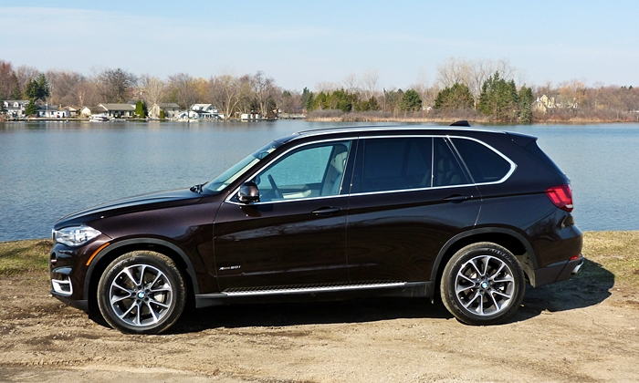 BMW X5 Photos: 2014 BMW X5 side view