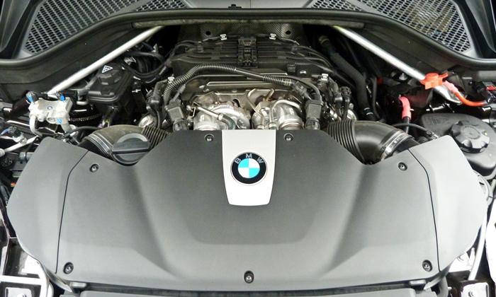 Bmw X5 Photos 2014 Bmw X5 Xdrive50i Engine Uncovered