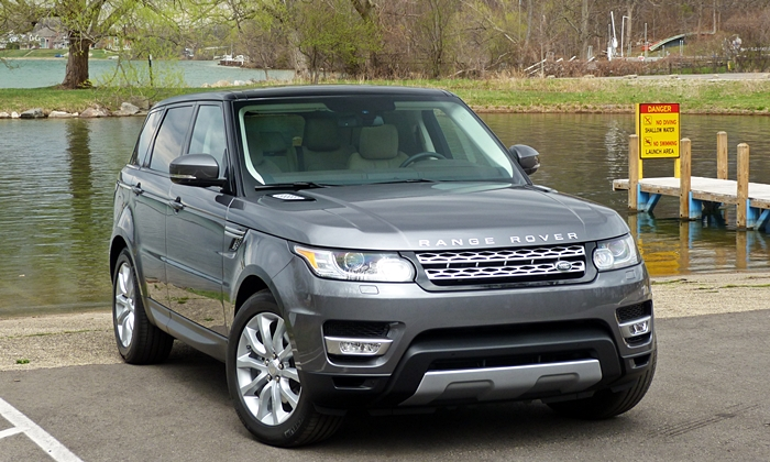 Land Rover Range Rover Sport Photos: 2014 Range Rover Sport front angle view