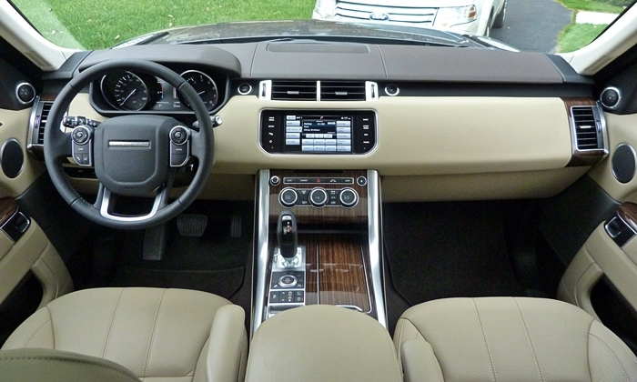 Land Rover Range Rover Sport Photos: Range Rover Sport instrument panel full width