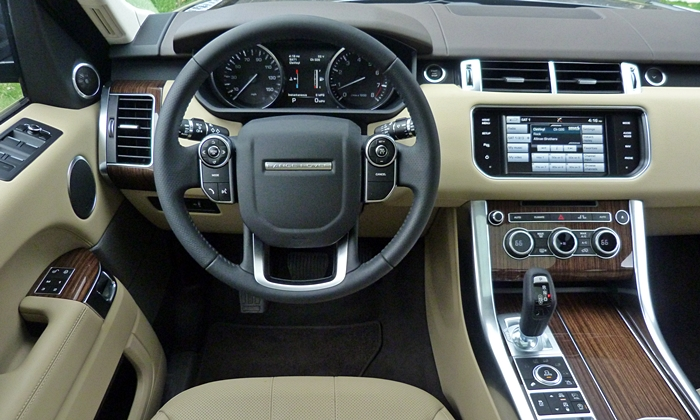 Land Rover Range Rover Sport Photos: Range Rover Sport instrument panel