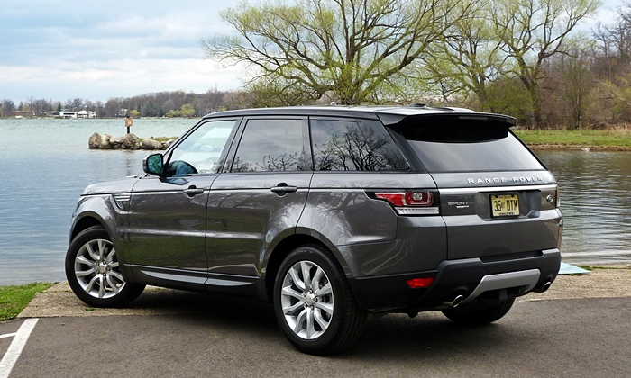 Land Rover Range Rover Sport Photos: 2014 Range Rover Sport rear quarter view