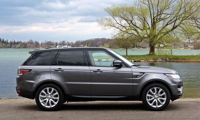 Land Rover Range Rover Sport Photos: 2014 Range Rover Sport side view