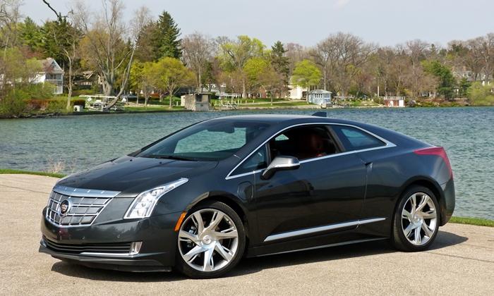 Cadillac ELR front quarter view