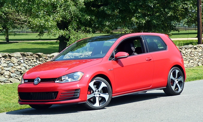 Golf / GTI Reviews: Volkswagen GTI front quarter view