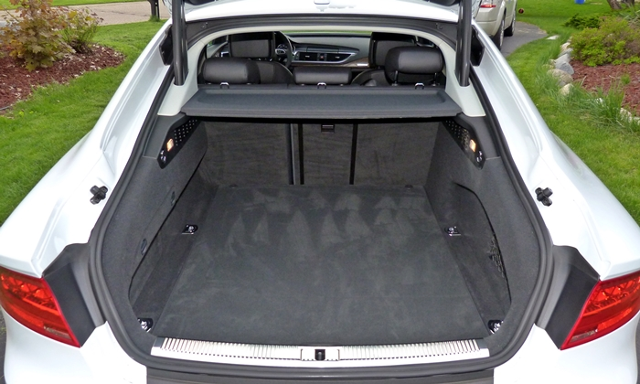 A7 / S7 Reviews: Audi A7 TDI cargo area