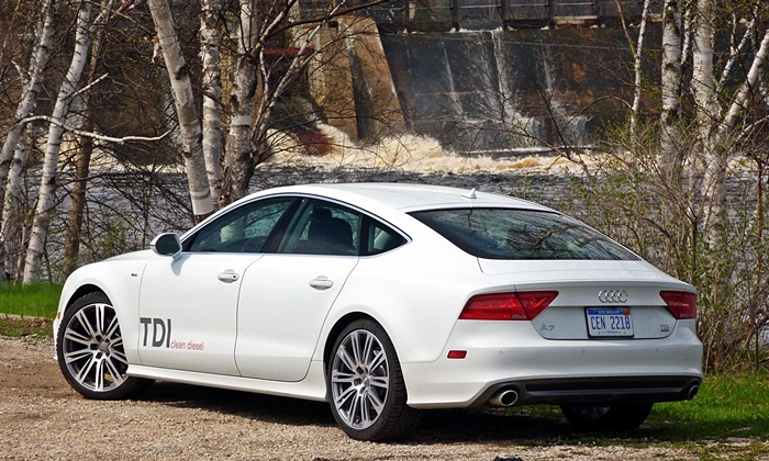 A7 / S7 Reviews: Audi A7 TDI rear quarter view