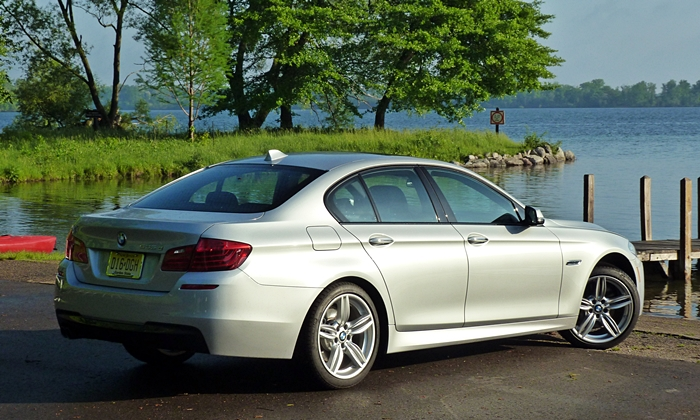 5-Series Reviews: BMW 535d rear quarter view