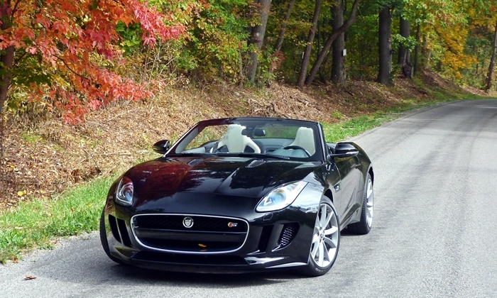 Jaguar F-Type Photos: Jaguar F-Type front