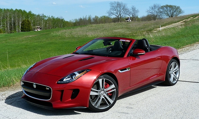 Jaguar F-Type Photos: Jaguar F-Type V8 S front quarter