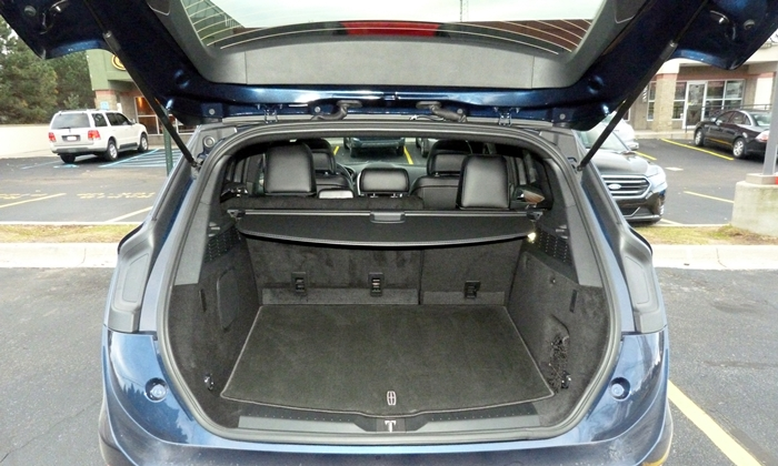 MKC Reviews: Lincoln MKC cargo area