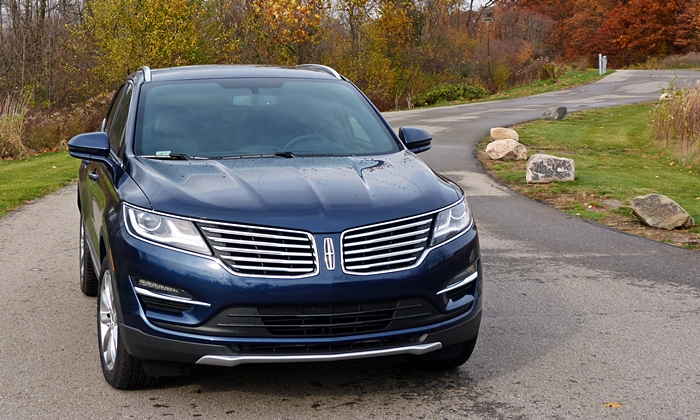 Lincoln MKC Photos: Lincoln MKC front view