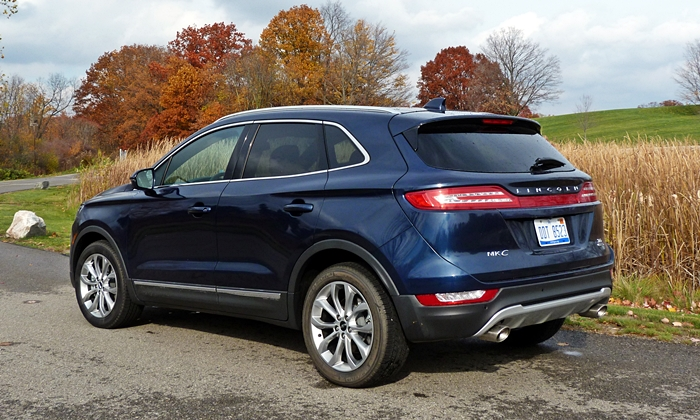 MKC Reviews: Lincoln MKC rear quarter