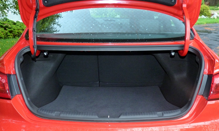 Forte Reviews: Kia Forte SX trunk