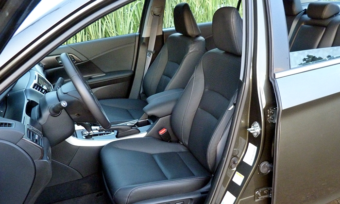 Honda Accord Photos: 2014 Honda Accord Hybrid driver seat
