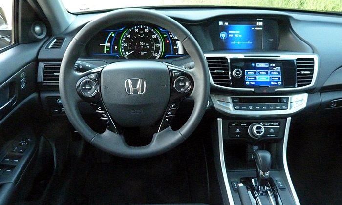 Accord Reviews: 2014 Honda Accord Hybrid instrument panel
