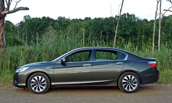 Honda Accord Photos: 2014 Honda Accord Hybrid side view