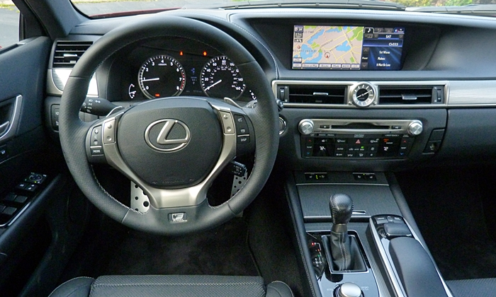 GS Reviews: Lexus GS 350 F Sport instrument panel