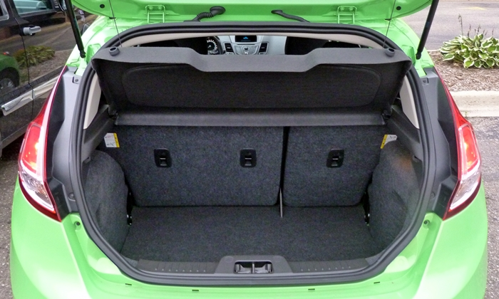 Ford Fiesta Photos: Ford Fiesta SE cargo area