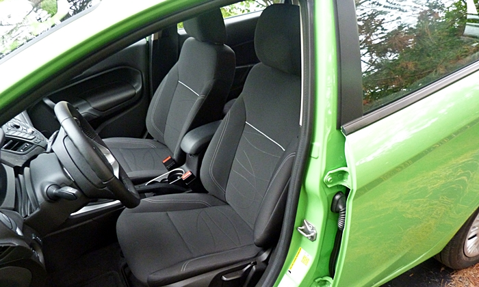 Ford Fiesta Photos: Ford Fiesta SE driver seat