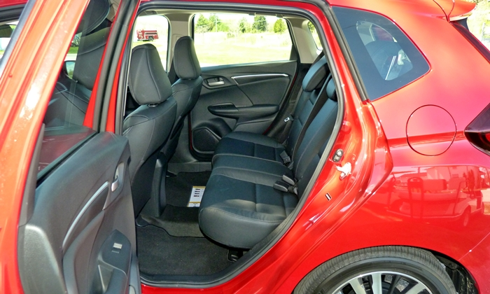 Ford Fiesta Photos: 2015 Honda Fit EX-L rear seat