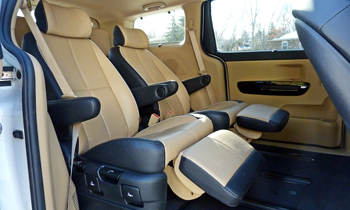 Sedona Reviews: Kia Sedona SXL lounge seats