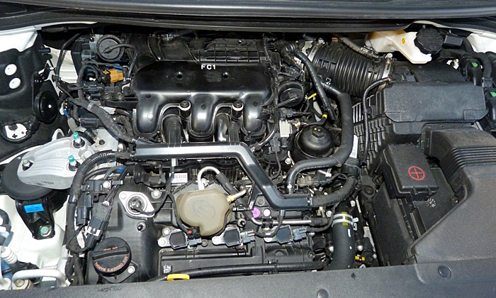 Sedona Reviews: Kia Sedona engine uncovered