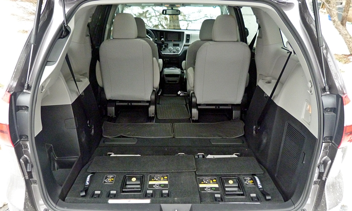 Sienna Reviews: Toyota Sienna cargo are third row stowed