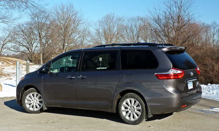 Sienna Reviews: Toyota Sienna rear quarter view